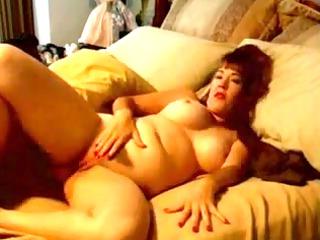 chubby milf masturbating