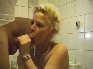 Mature woman fucking in bathroom