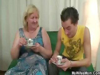 Fat blonde granny has tea and gets nailed in her