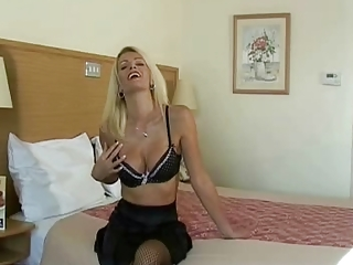 Amazing Beautiful Milfs Handjob To Her Man