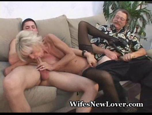 Older milf pleasured by young lover