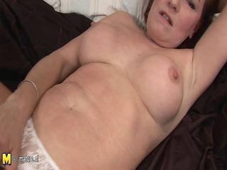 All natural mature mom masturbate
