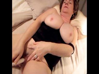 Dianne masturbating