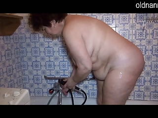 Granny masturbate in shower