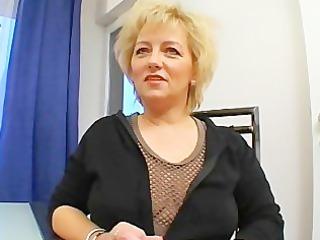HOT EUROPEAN MAMA