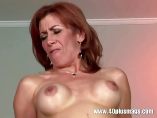 Mature mom got hairy pussy cleaned