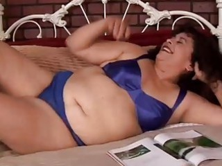 Cute chubby mature amateur Richelle loves to fuck