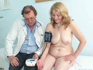 Gyno doctor speculum examines very old mature