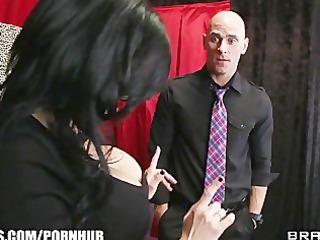 Stunning brunette cougar Veronica Avluv fucks a