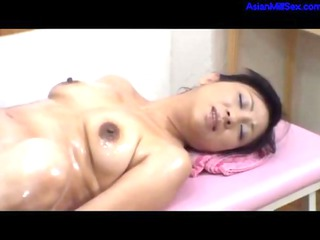 Milf Getting Her Hairy Pussy Fingered Fucked With