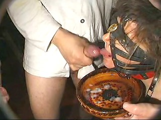 a big bukkake for submissive frrench mature woman