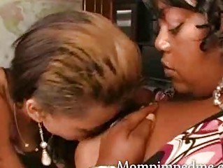 Ebony milf teaches teen her lesbo ways