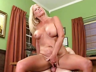 Office fuck with Milf Valerie
