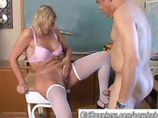 Sexy cougar in stockings loves to fuck