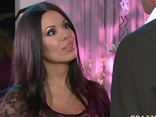 BIG TIT LATINA MILF MOM PORNSTAR SIENNA WEST IS A