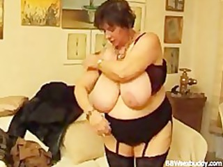 Mature BBW Takes it in The Ass