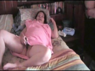 BBW wife bating on bed