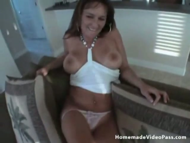 Hot milf wife gives husband a blowjob in free flix