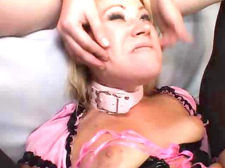 Hot anal,latex and fishnet lesbos !