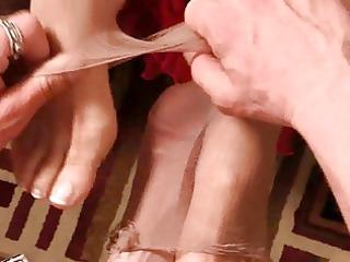 Mature FootJob FILM 1