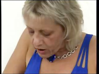 Busty blonde granny gets her fingers working on