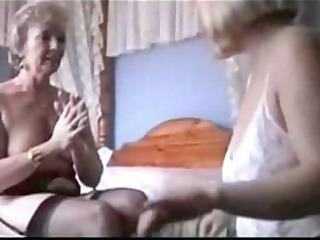 Two Grannies play in Lingerie and Stockings