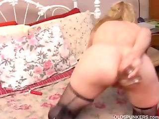 Mature amateur anal fetish