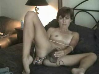 Amateur mature hairy milf mom solo masturbating
